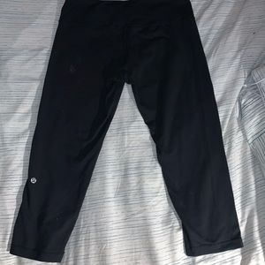 Lululemon wunder under crops - black - size 8